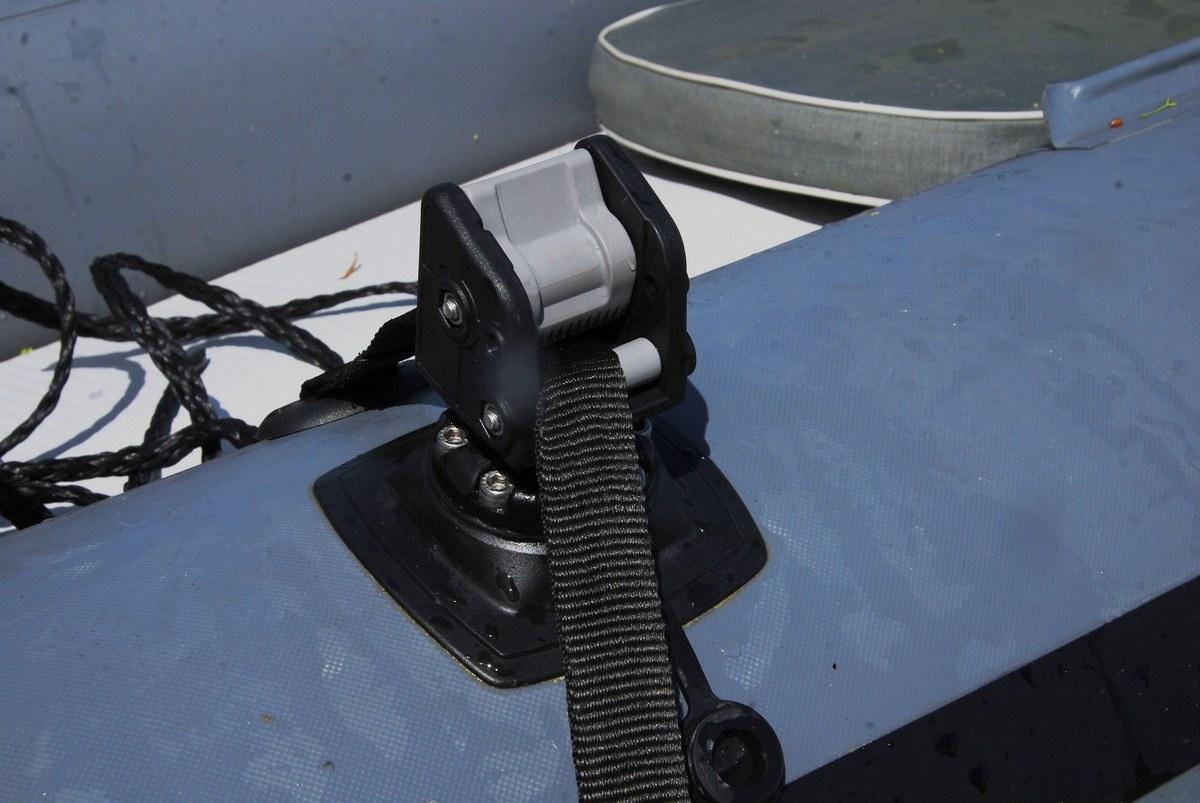Blokada liny kotwicznej z platformą montażową do powierzchni dmuchanych ALp002